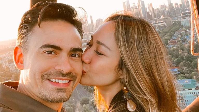Melihat ke laman Instagram milik Bunga dan Ashraf, keduanya sempat berlibur ke Amerika.
