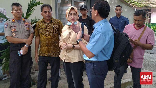 Wali Kota Tangsel Airin Rachmi Diany berharap tidak ada kabar simpang siur soal radiasi di Perumahan Batan Indah yang bisa memicu kekhawatiran di warga.