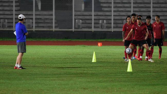 Pelatih Timnas Indonesia Shin Tae Yong memberikan menu diet wajib kepada skuat Garuda usai kalah 1-4 dari Persita Tangerang.