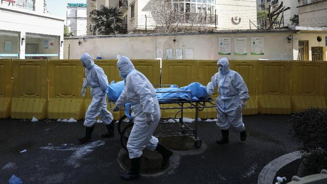 China melaporkan kematian pertama akibat Covid-19 pada Kamis (14/1) setelah delapan bulan tak ada penambahan korban jiwa.