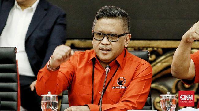 Sekjen PDIP Hasto Kristiyanto beranggapan Mendikbud Nadiem Makarim memiliki kesadaran yang rendah tentang makna pelajaran sejarah.