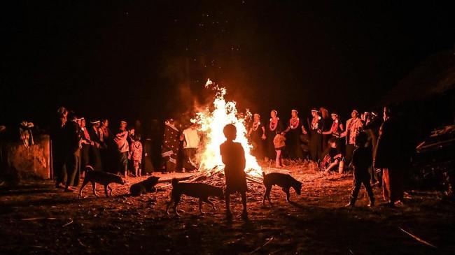 Suku Naga di Myanmar memiliki ritual demi musim panen yang lebih baik setiap tahunnya.