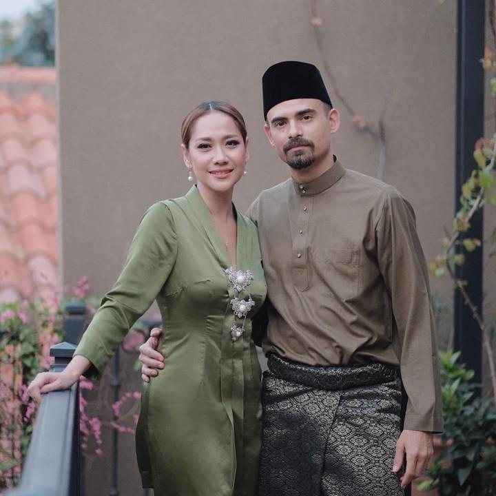 Suami BCL, Ashraf Sinclair meninggal pada Selasa 18 Februari 2020. Intip potret kenangan Ashraf, suami dan ayah terbaik, saat bersama keluarga tercintanya.