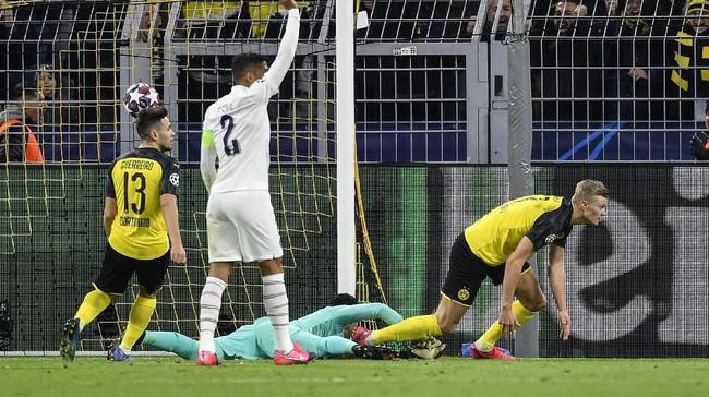 Erling Haaland terus menunjukkan kemampuan mencetak gol saat Borussia Dortmund mengalahkan PSG di Liga Champions.