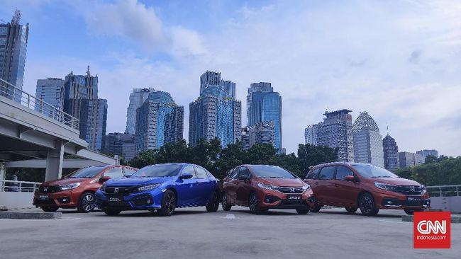 Empat model Honda dengan emblem RS di Indonesia, Brio, Civic, Jazz, dan Mobilio.
