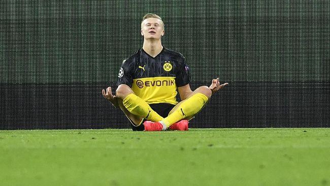 Penyerang Borrusia Dortmund, Erling Haaland, jadi anak muda pertama yang bisa mencetak 10 gol di Liga Champions.