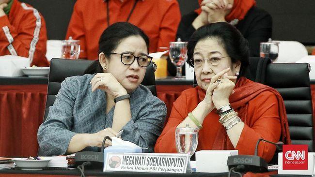 Sebuah baliho bergambar Ketua DPP PDIP Puan Maharani menjadi korban aksi vandalisme di Blitar, Jawa Timur. Terpampang tulisan 'Open BO' dalam baliho tersebut.