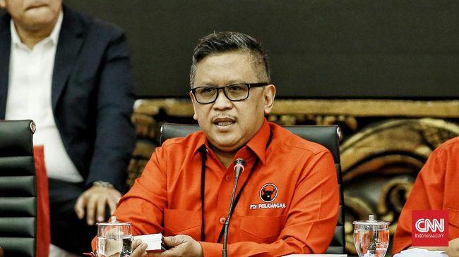 Sekjen PDIP Hasto Kristiyanto mengatakan pihaknya menunggu keputusan Megawati terkait calon yang akan diusung dalam Pemilu Presiden 2024.