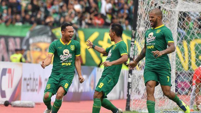 Persebaya Surabaya masih menunggu kepastian soal kelanjutan Liga 1 2020 yang kembali ditunda karena pandemi virus corona.