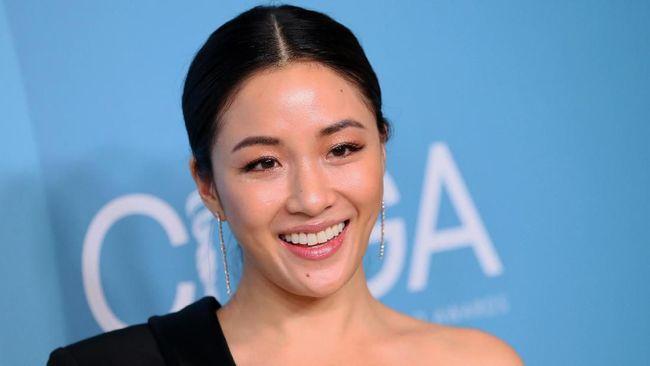 Aktris Constance Wu mengaku bahwa dirinya memperoleh Rp8,2 juta kala menyamar menjadi penari erotis alias stripper demi mendalami peran dalam film Hustlers.