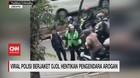 VIDEO: Polisi Berjaket Ojol Hentikan Pengendara Arogan