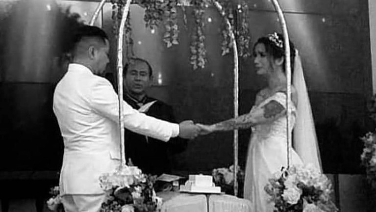 Begini lima potret pernikahan Sheila Marcia dan sang kekasih, Dimas Akira di Bali, Kamis (20/2).