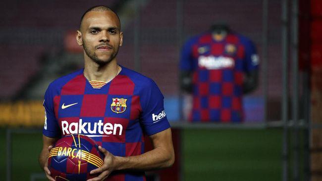 Barcelona diklaim ingin menjual empat pemain pada pekan ini demi mendapatkan dana segara untuk mendatangkan pemain baru.