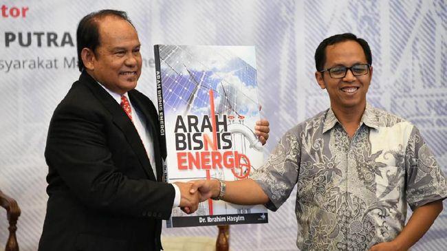 Kepala BPH Migas M Fanshurullah Asa hadir dalam peluncuran buku 'Arah Bisnis Energi' yang ditulis Komite BPH Migas Periode 2007 - 2017 Ibrahim Hasyim.