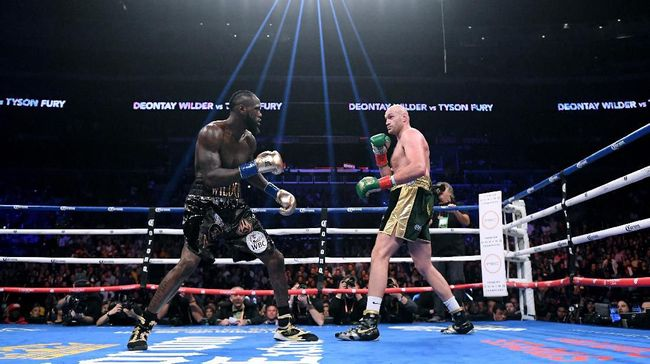 Pihak Tyson Fury disebut siap membayar Deontay Wilder untuk membatalkan klausul rematch demi laga lawan Anthony Joshua.