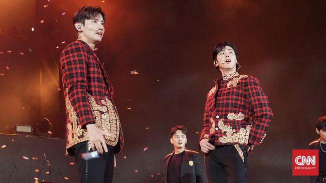 TVXQ resmi kembali menyapa fan Indonesia dalam Korean Wave in Love di Trans Studio Mall Cibubur pada Jumat (21/2), lewat lagu hit mereka, Mirotic.