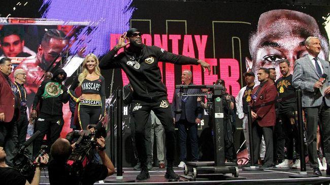 Berikut jadwal siaran langsung tinju kelas berat Deontay Wilder vs Tyson Fury di MGM Garden Arena, Nevada.