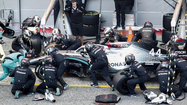 Tiga staf dari dua tim F1 diisolasi untuk mengantisipasi penyebaran virus corona menjelang seri pertama balapan Formula 1 2020.