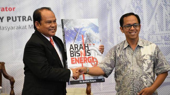 Kepala BPH Migas mengapresiasi buku karya Dr Ibrahim Hasyim mengingat pengalaman Ibrahim malang melintang di industri migas.