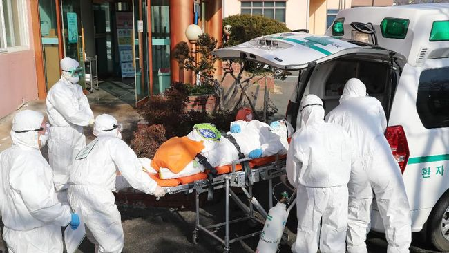 Korea Selatan dua kali melakukan pembaruan data penduduk yang terinfeksi virus Corona pada Sabtu (22/2) ini menjadi total 433 kasus positif.