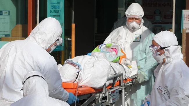 Jumlah orang yang terinfeksi virus corona di Korea Selatan terus bertambah hingga mencapai 4.212 kasus. Virus itu telah menewaskan 26 warga di sana.