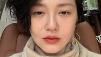 <p>Nah kalau yang ini, pemeran Shan Cai dalam <em>Meteor Garden</em>, Barbie Hsu.Ia telah menikah dengan pengusaha Wang Xiaofei pada tahun 2010. Kini Barbie Hsu sudah menjadi ibu dari dua orang anak. Masih terlihat awet muda ya, Bun? (Foto: Weibo)</p>