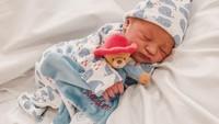 <p>Kimberly Ryder melahirkan anak pertama di Inggris, pada 19 November 2019. Bayi laki-laki itu diberi nama Rayden Starlight Akbar. (Foto: Instagram @kimberlyryder)</p>