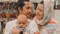 <p>Pada awal Februari lalu, Kimberly dan Edward memboyong baby Rayden mudik ke Jakarta. Lalu pada 23 Februari, mereka menggelar akikah di Lembang, Jawa Barat. (Foto: Instagram @kimberlyryder)</p>