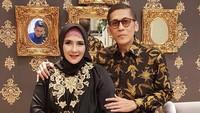 <p>Pasangan artis lawas, Yati Octavia dan Pangky Suwito memang sudah jarang tampil di layar kacar, Bunda. (Foto: Instagram @yatioctaviapangky)</p>