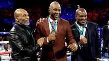 Holyfield Jagokan Tyson, Lennox Lewis Dukung Jones