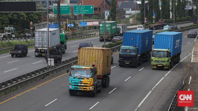 Semakin besar kendaraan berarti area yang tidak terlihat sopir semakin luas, hal ini wajib dimengerti saat berdekatan dengan truk atau kendaraan besar lainnya.