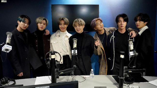 Tim produksi disebut butuh persiapan ekstra karena kali ini banyak orang terlibat dalam Carpool Karaoke, yakni tujuh member BTS dan James Corden sendiri.