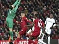Blunder Kiper West Ham Bantu Liverpool Menang