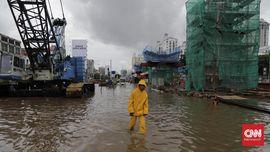 FOTO: Derita Warga Ibu Kota Dilanda Banjir Jakarta
