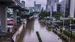 Jakarta Banjir, Walhi Sebut Anies Tak Berani Tegakkan Aturan
