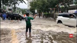 VIDEO: Hujan Sejak Malam, Jakarta Dilanda Banjir