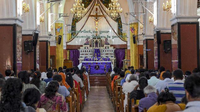 Rabu Abu jadi tanda umat Katolik memasuki masa pra-Paskah sebagai masa tobat. Goresan abu diberikan agar umat mengenali area spiritual.