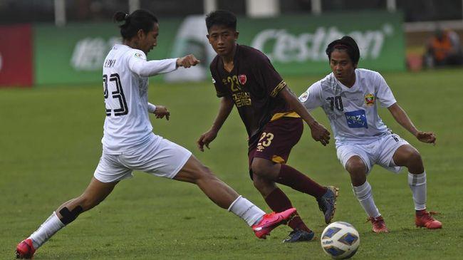 Gelandang PSM Makassar, Bayu Gatra memberikan klarifikasi terkait video viral ia diminta pulang sang ibu saat main Tarkam.