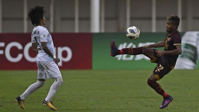 PSM Makassar vs Bhayangkara Solo FC berakhir imbang 1-1 pada lanjutan babak penyisihan Grup B Piala Menpora di Stadion Kanjuruhan, Malang, Sabtu (27/3).