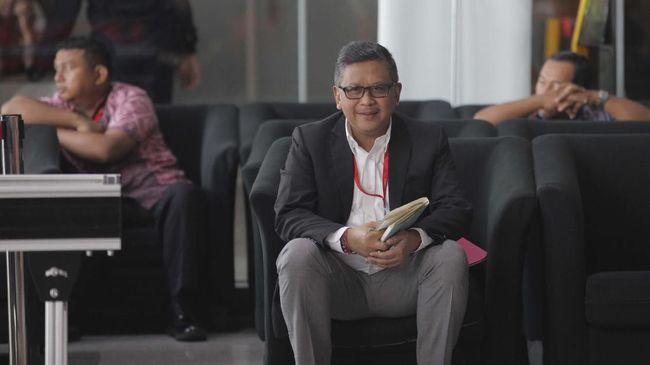 Sekjen PDIP Hasto Kristiyanto meminta elit politik tak menggunakan istilah perang badar dalam Pilkada 2020 karena berpotensi memecah belah masyarakat.