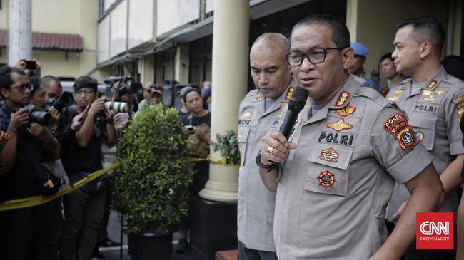 Polisi mengimbau masyarakat tak menyebarkan hoaks corona yang bisa meresahkan dan membuat panik masyarakat.