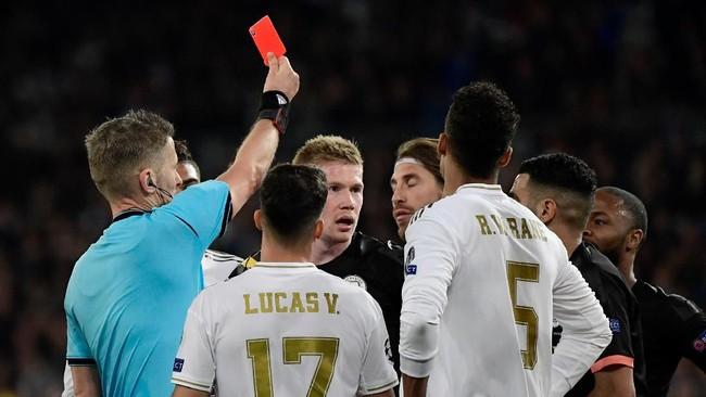 Real Madrid tumbang di hadapan Manchester City pada laga Liga Champions. Berikut foto-foto pilihan dari laga tersebut.