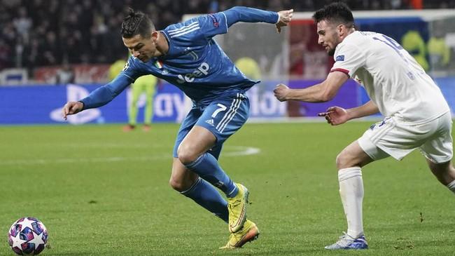 Cristiano Ronaldo tak mampu membantu Juventus menghindari kekalahan melawan Lyon pada babak 16 besar Liga Champions.