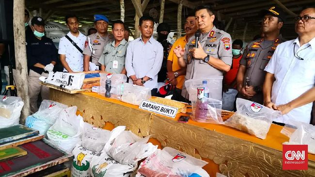 Polda Jawa Tengah menindaklanjuti keluhan petani di Klaten, berhasil mengungkap tujuh pabrik yang memproduksi pupuk palsu untuk dijual ke petani.