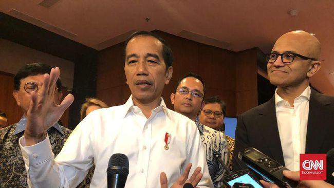 Microsoft berencana bangun data center di Indonesia, Jokowi beri tanggapan guna memuluskan rencana perusahaan teknologi AS itu.