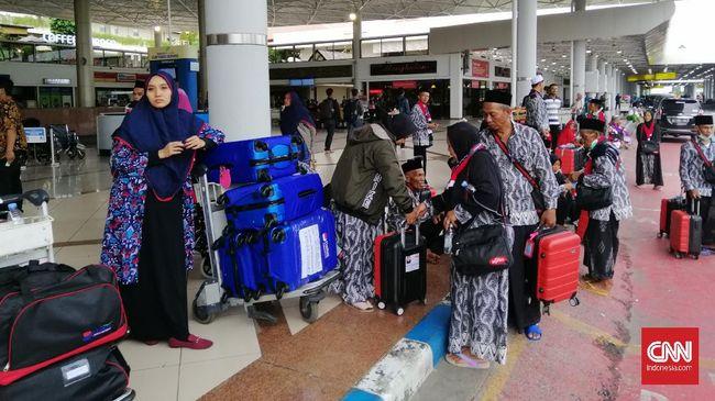 Asosiasi Muslim Penyelenggara Haji dan Umrah menyatakan tak bisa mengembalikan biaya umrah penuh, kepada jemaah yang meminta pengembalian uang.