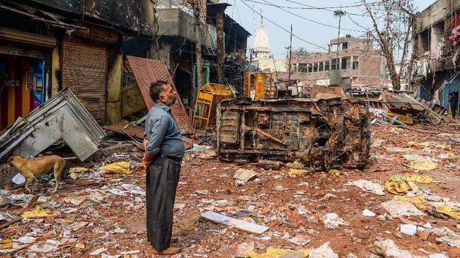 Bentrokan antara umat Hindu dan Muslim terjadi dalam dua hari pada Senin (24/2) dan Selasa (25/2) di New Delhi, India.