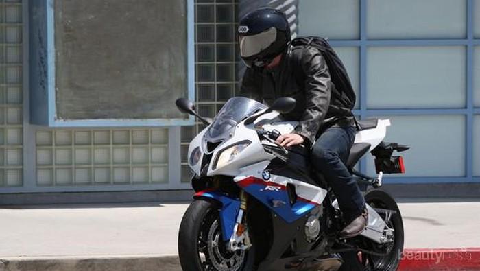 [FORUM] Boncengan motor sama cowok yang bukan muhrim dosa gak sih?