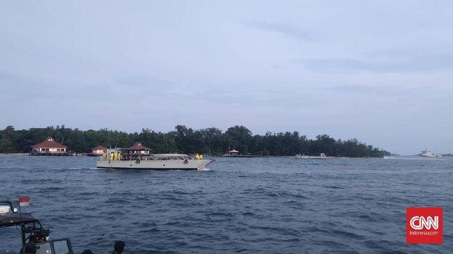188 WNI ABK Kapal World Dream langsung menjalani pemeriksaan kesehatan saat menginjakkan kaki di Pulau Sebaru Kecil untuk observasi pencegahan virus corona.