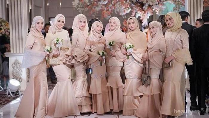 Gaun Pesta Muslimah Syari Ala Selebgram dan Artis Ini Cocok untuk Kamu yang Berhijab Menutup Dada